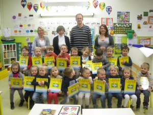 Tous ensemble avec nos livres dédicacés par Mr Leroy !